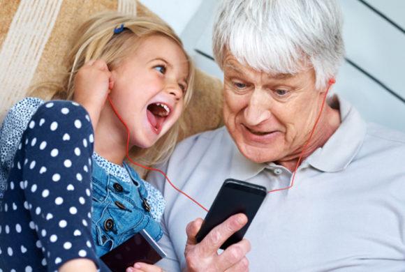 Cresce número de celulares com receptor de rádio FM