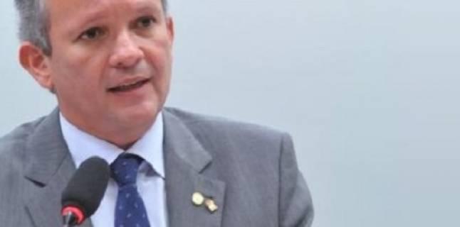 Notícias: Ministro afirma que tarifa para migração das AMs será divulgada em dez dias