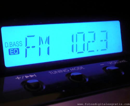 Notícia: Rádios com dial estendido e ações de tecnologia e relacionamento