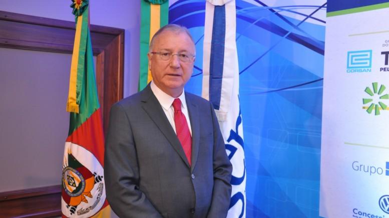 Notícias: Assembleia da AGERT reelege Roberto Melão como presidente da associação