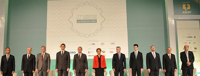 Notícias: 27º Congresso | ABERT cobra a flexibilização da Voz do Brasil. Minicom afirma que chegará a um valor para a migração